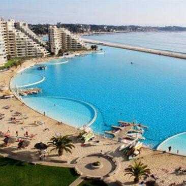 Kolam Renang Terbesar di Dunia