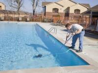 Cara Jernihkan Air Kolam Renang