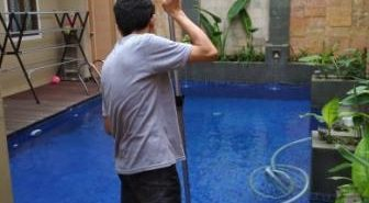 jasa pembersihan kolam renang pondok indah